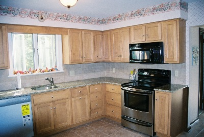 It Also Has A Microwave Hood Combination That Become Por Feature In Many Kitchens They Really Are Convenient Especially